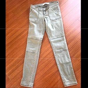 "Hollister Jeans, Size 1, 25"" waist, stylish! 🤗"